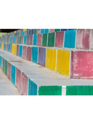 Escaliers cubes colorés
