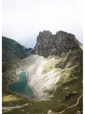 Petit lac en montagne